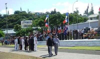 Reg Wellington and M. Gunton lay RNZAF wreath